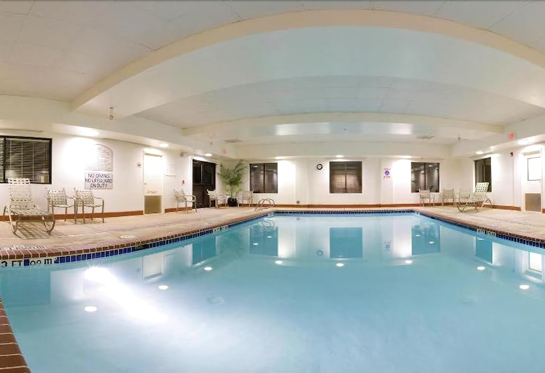Holiday Inn Express Hotel & Suites Richmond North Ashland, Ashland, Indoor Pool