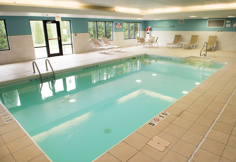 Holiday Inn Express & Suites Elkhart, Elkhart, Baseinas