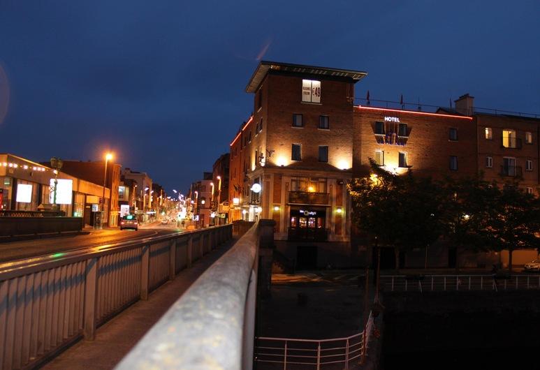 The Pier Hotel, Лимерик