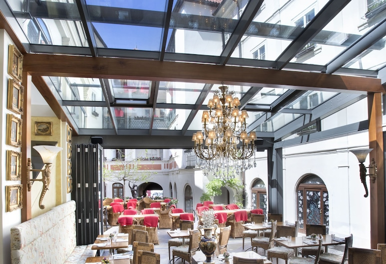 Iron Gate Hotel and Suites, Praga, Restaurante