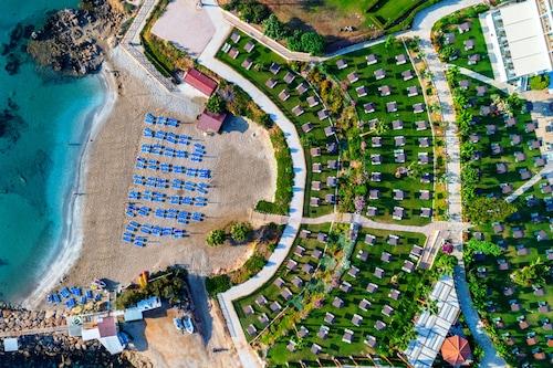 卡沃馬里海灘酒店/