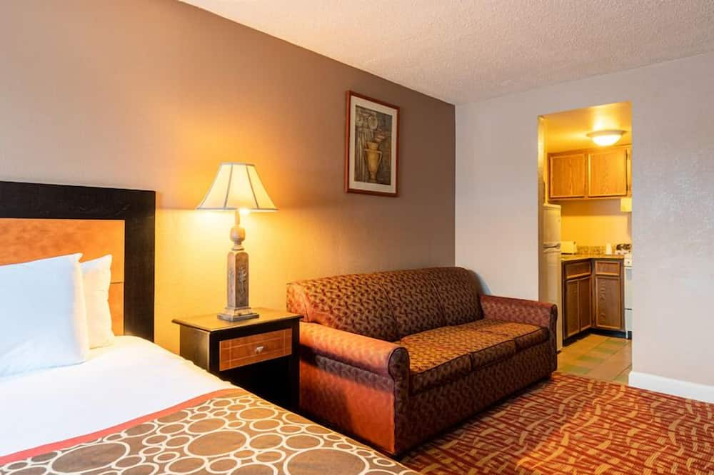 Deluxe Room, 1 King Bed with Sofa bed, Non Smoking, Kitchenette - Living Area
