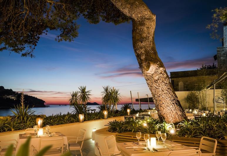 Hotel Kompas, Dubrovnik, Yemek
