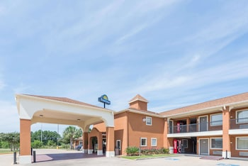 Picture of Days Inn by Wyndham Sulphur LA in Lake Charles