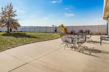 Picture of La Quinta Inn & Suites by Wyndham North Platte in North Platte