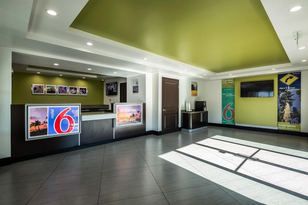 Motel 6 Canoga Park Ca Reception