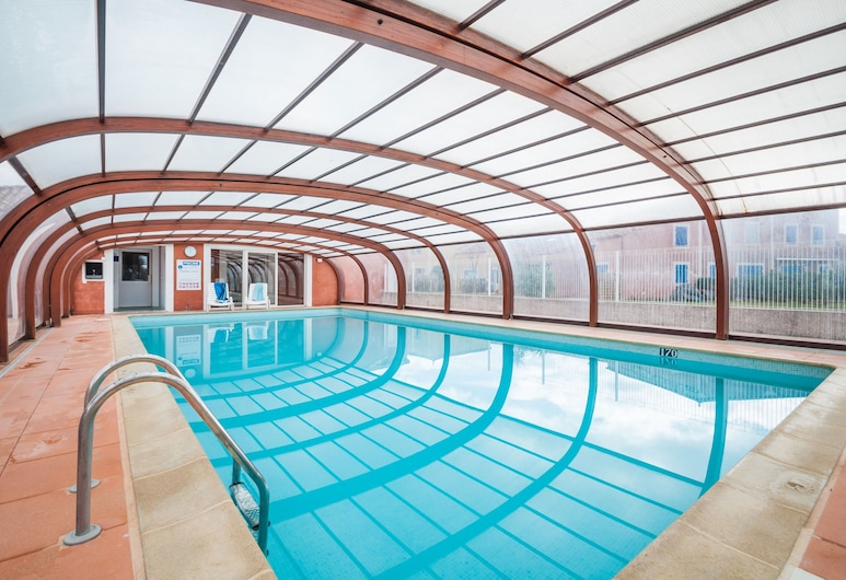 Les Berges du Canal by Ateya Vacances, Beziers, Indoor Pool