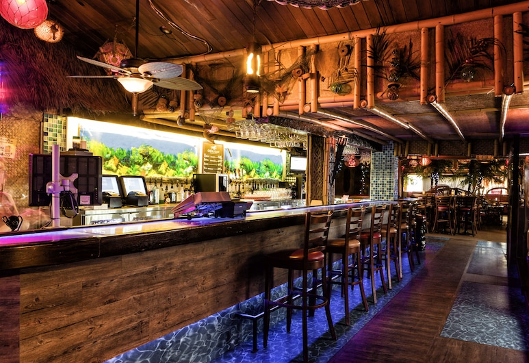 Hotel-Motel Coconut, Trois-Rivieres, Bar do Hotel