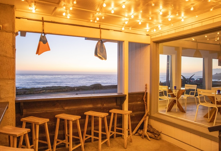 Cambria Beach Lodge, Cambria, Beach bar