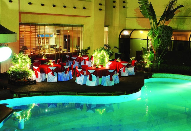 Tivoli Garden Resort Hotel, Niu Delis, Banketų zona lauke