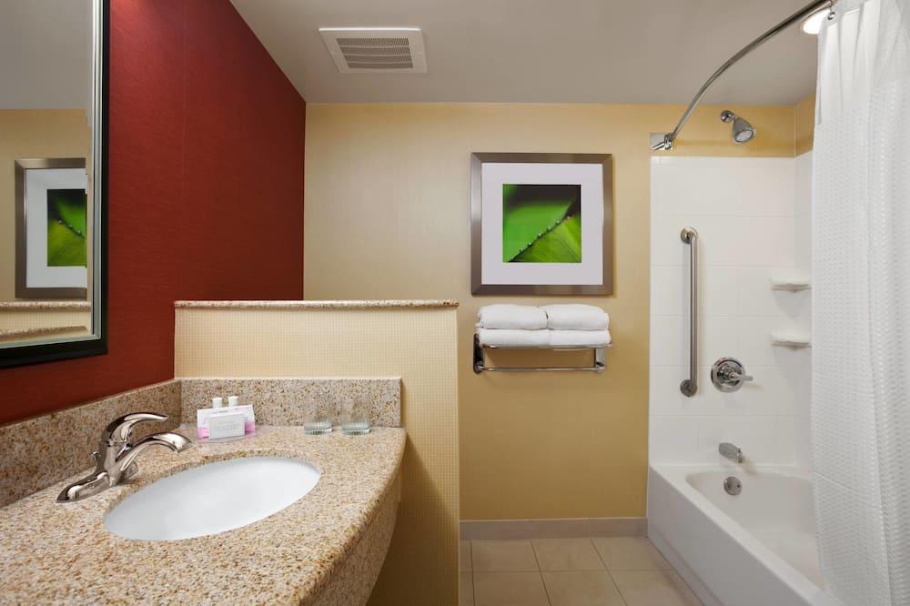 客房, 1 張特大雙人床, 非吸煙房, 露台 - 浴室