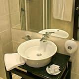 Einzelzimmer - Waschbecken im Bad