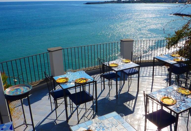 Hotel Palladio, Giardini Naxos, Āra ēdināšanas zona