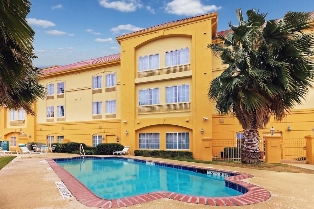 Seguin (TX) United States  city pictures gallery : Book La Quinta Inn & Suites Seguin, Seguin, Texas Hotels.com