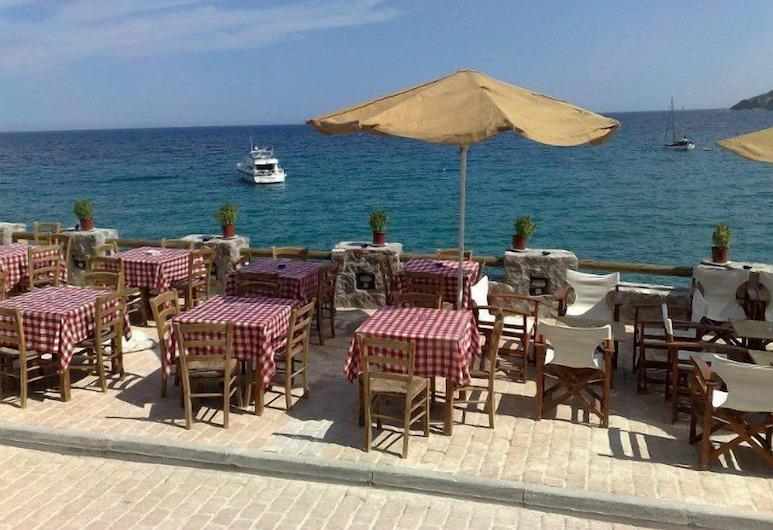 Argo Spa Hotel, Egina, Restaurante al aire libre
