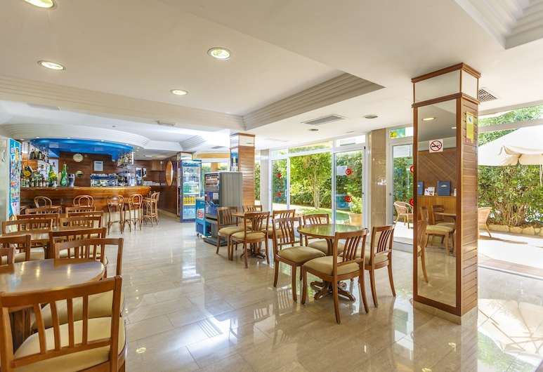 Hotel Golf Beach, Calvia, Hotelli baar