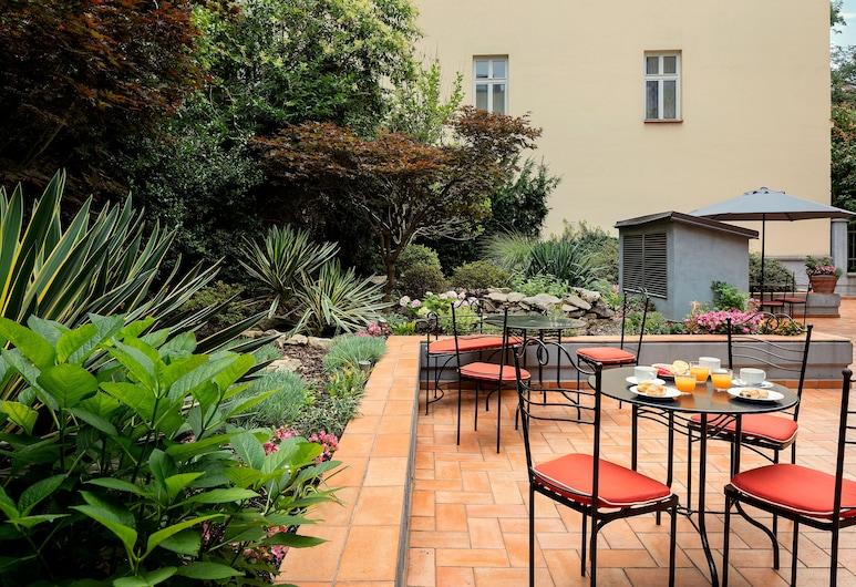 Hotel Roma Prague, Praga, Terraço/pátio