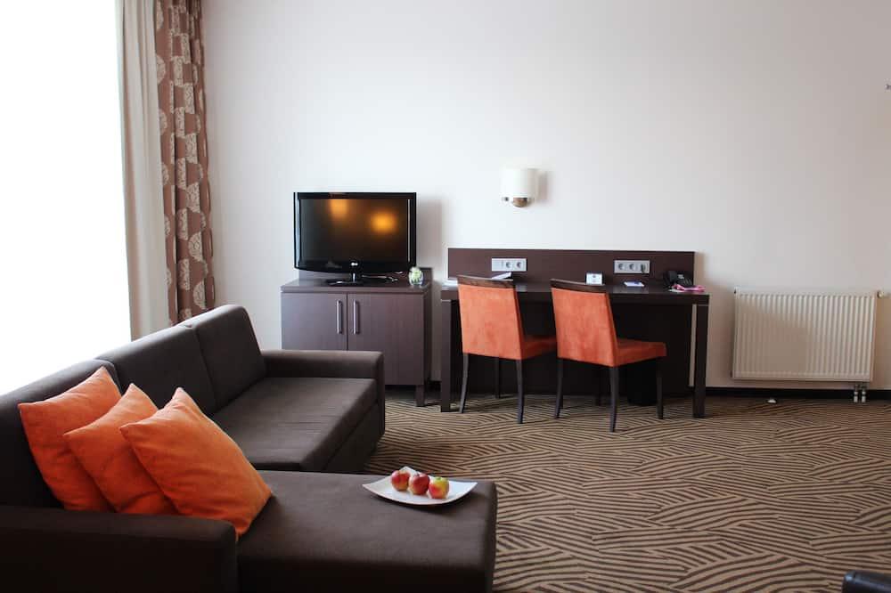 Phòng Deluxe, 1 giường cỡ queen, Ban công - Khu phòng khách
