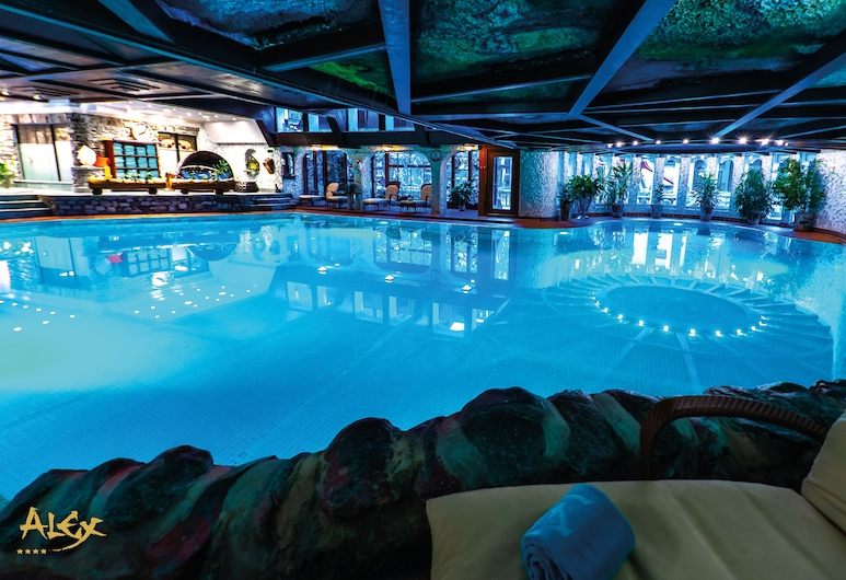 Resort Hotel Alex, Zermatt, Innenpool