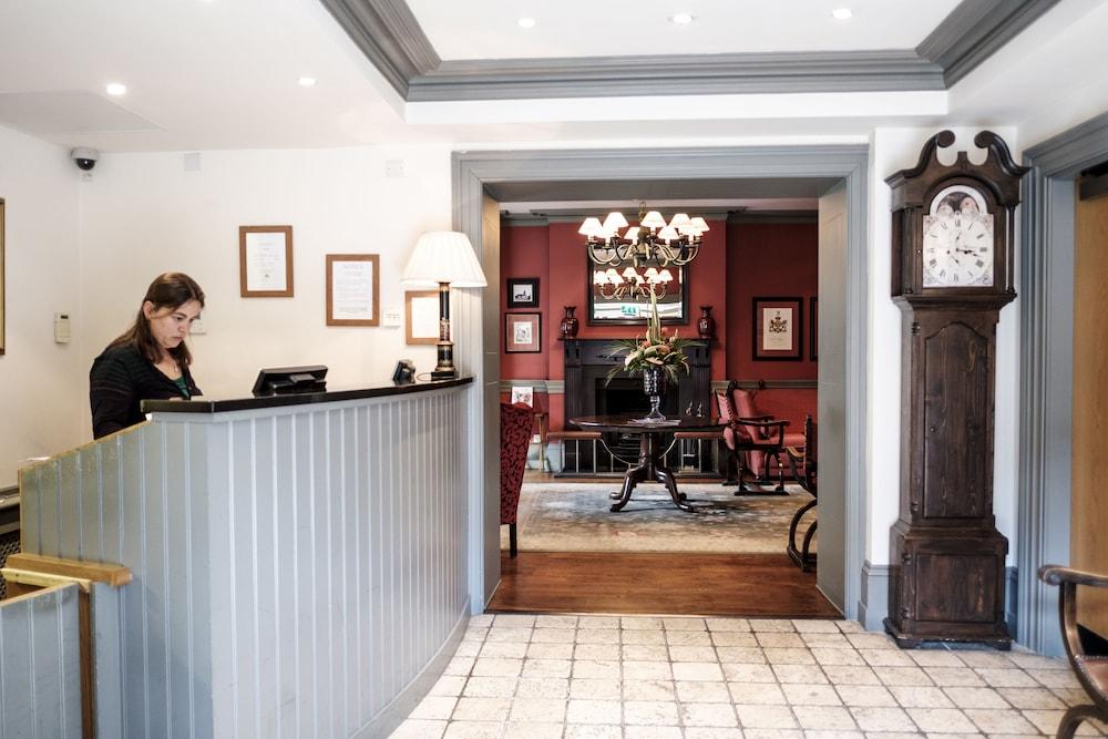 Red Lion Hotel Hillingdon Uxbridge Reception