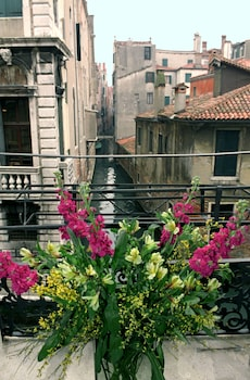 Picture of Casa Pisani Canal in Venice