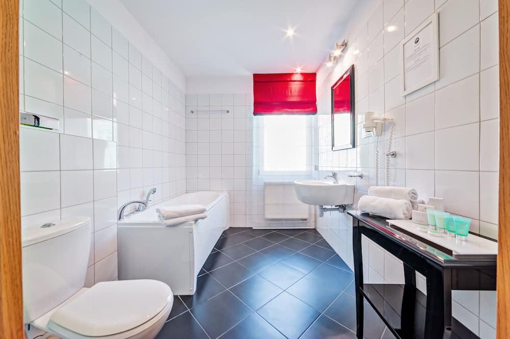 ดีลักซ์อพาร์ทเมนท์ - ห้องน้ำ