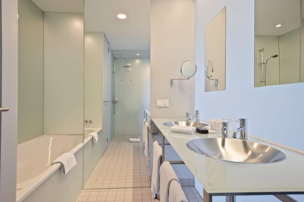 Innside Lifestyle Suite - Bilik mandi