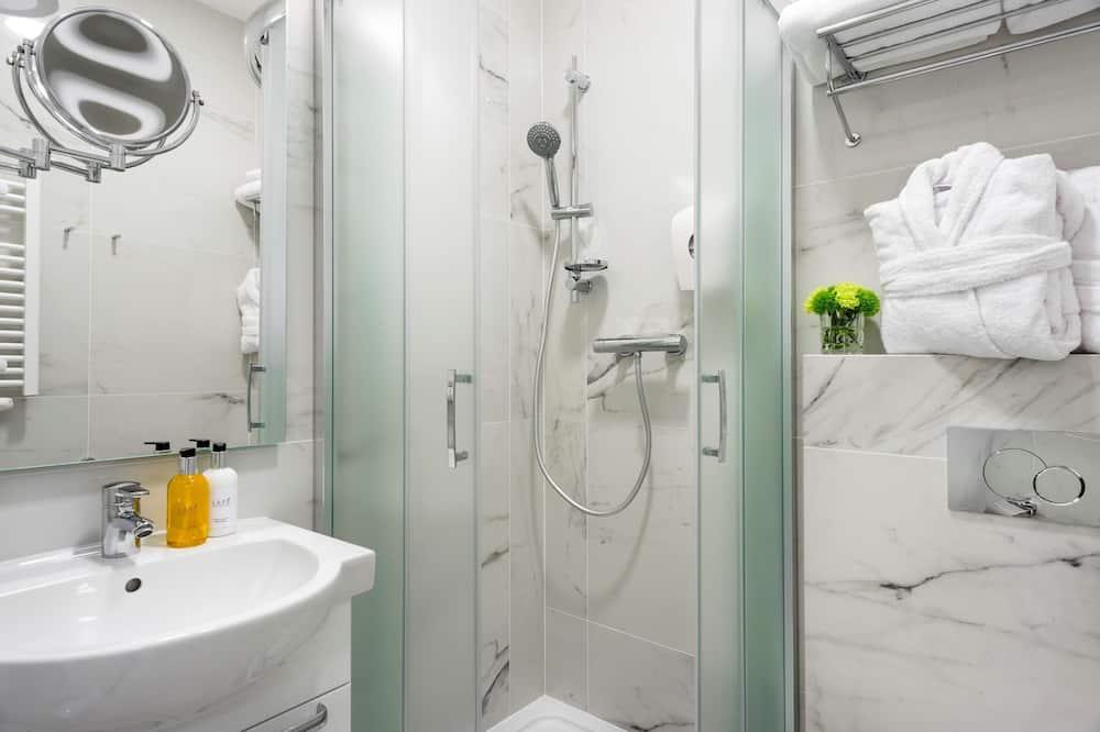 חדר סופריור, 2 מיטות יחיד, ללא עישון, מקרר - חדר רחצה