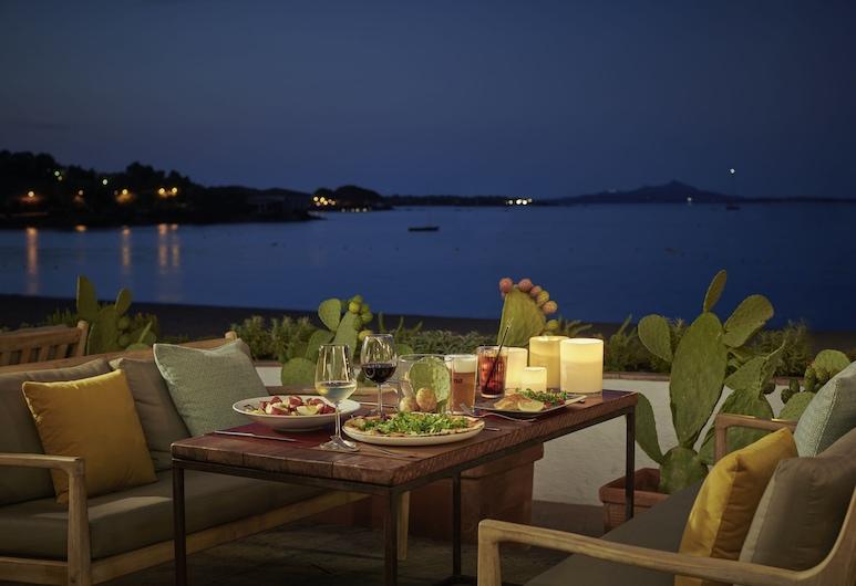Villa del Golfo Lifestyle Resort, Arzachena, Utendørsservering