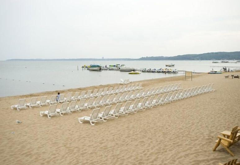 ParkShore Resort, Traverse City, Beach