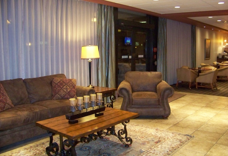 Norfolk Country Inn & Suites, Norfolk, Lobby
