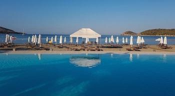 Picture of Plaza Resort Hotel in Saronikos