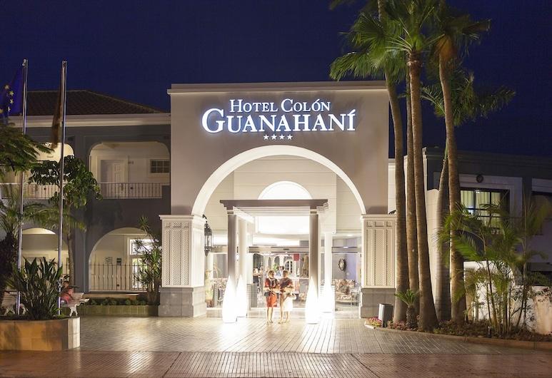 Hotel Colón Guanahaní Adults Only, Adeje, Otelin Önü - Akşam/Gece