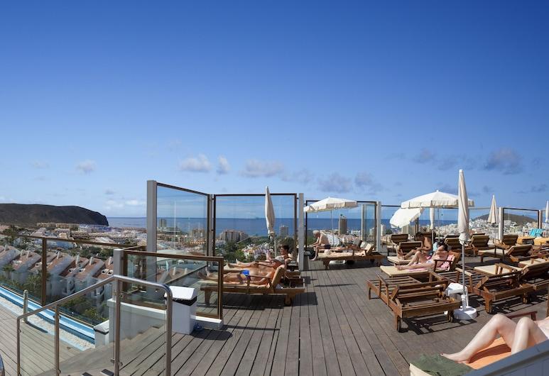 Paradise Park Fun Lifestyle Hotel, Arona, Uima-allas katolla