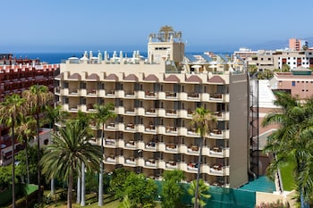 Choose This Mid-Range Hotel in Puerto de la Cruz