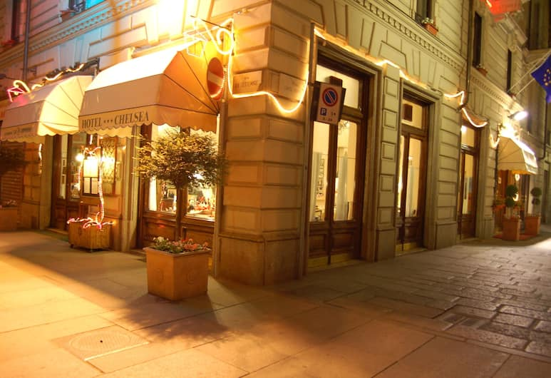 Hotel Chelsea, Torino, Facciata hotel (sera/notte)
