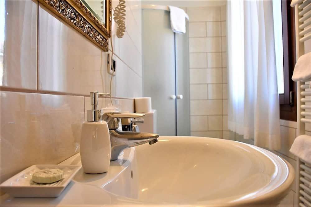 Pokój dla 3 osób standardowy, prywatna łazienka - Łazienka