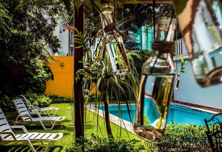 HOTEL BASADRE SUITES , לימה, גינה