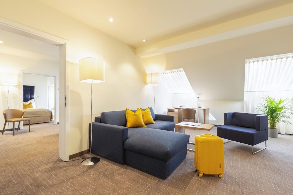 Familien-Suite, Kühlschrank und Mikrowelle - Wohnbereich