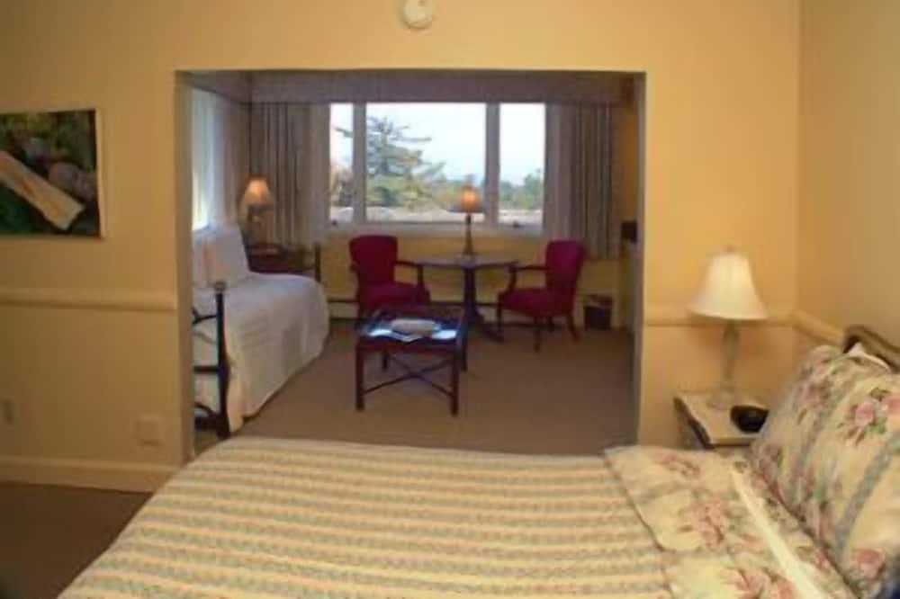 King Room with Ocean View (Max 2 people) (2nd Floor) - Oturma Alanı