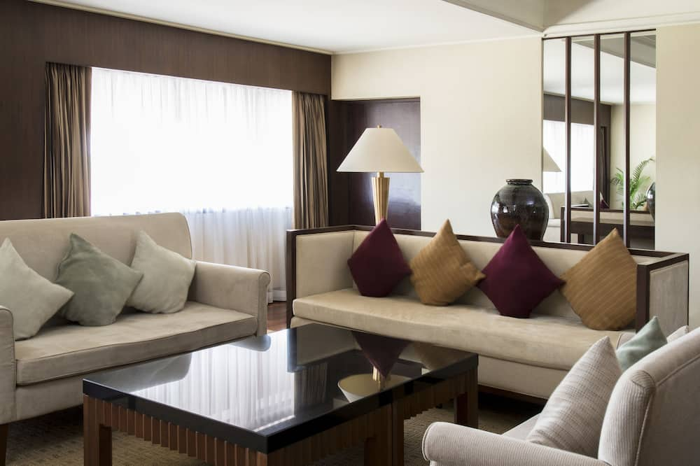 Grand Suite, 1 Bedroom, Non Smoking - Living Room