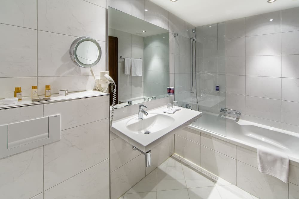 Junior Suite Single Use, 1 Double Bed, Lake View - Bathroom
