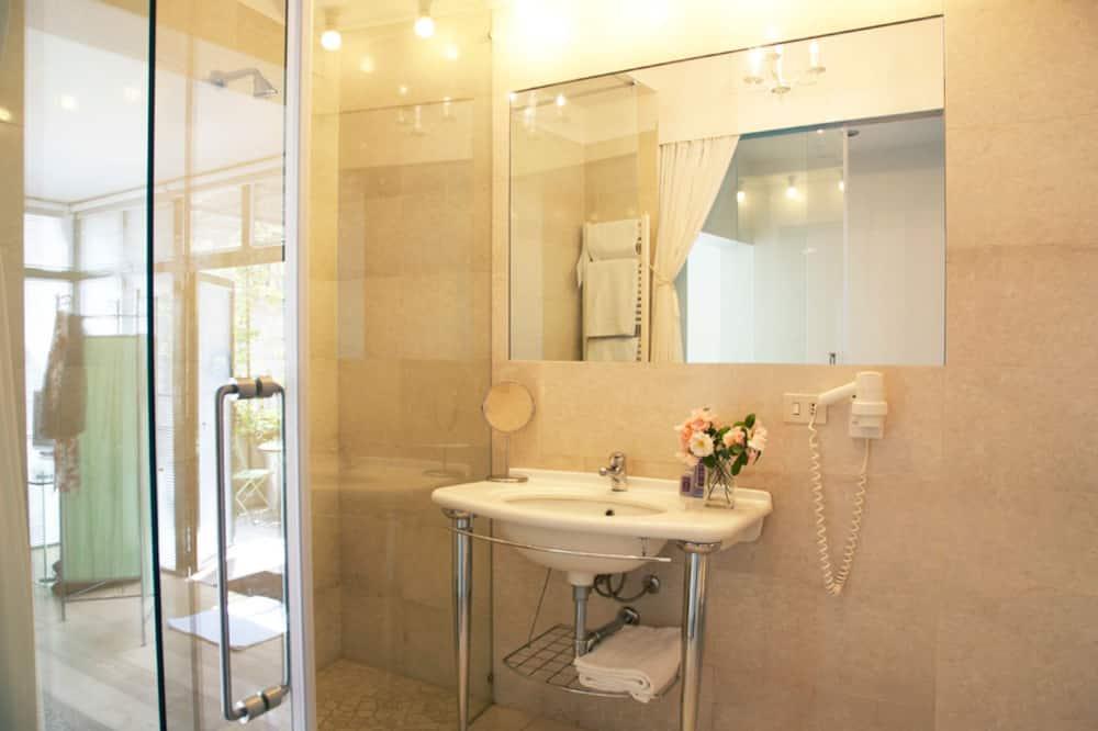 豪華雙人房, 露台 - 浴室