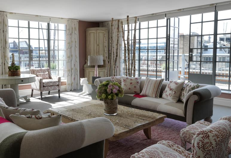 The Soho Hotel, Firmdale Hotels, London, Deluxe Suite, 2 Bedrooms, Terrace, Living Area