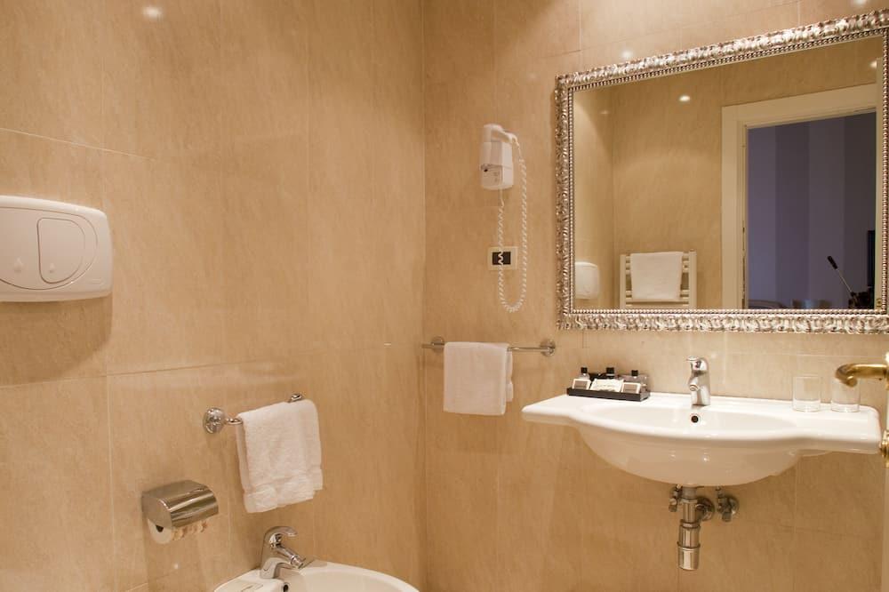 Enkeltværelse - 1 enkeltseng - Badeværelse