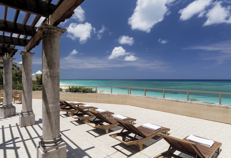 The Ritz-Carlton, Grand Cayman, Seven Mile Beach, Sundeck