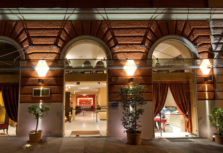 c-hotels Fiume, רומא, חזית המלון