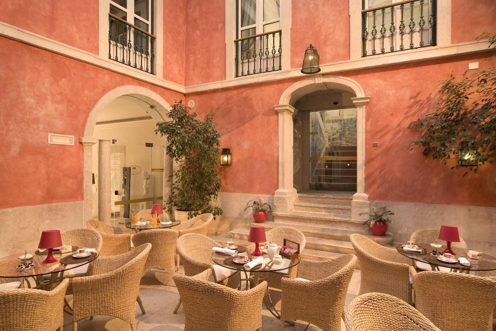 Hotel Real Palacio, Lisbon