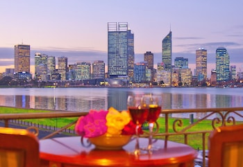 Picture of The Peninsula Riverside Serviced Apartments in South Perth