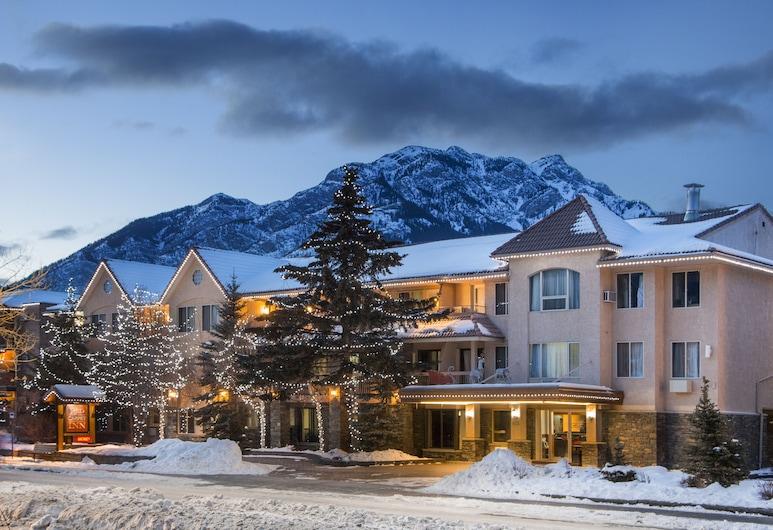 Red Carpet Inn, Banff, Hotel Front